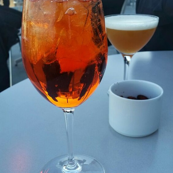 Aperol Spritz @ Studio Cafe At The Whitney Museum