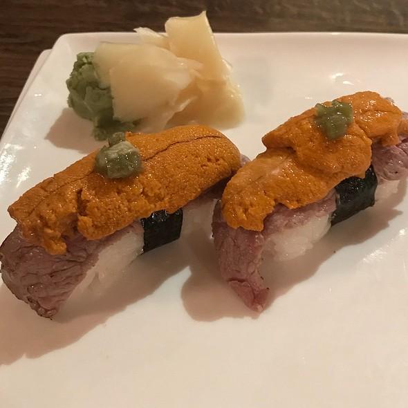 Steak& Uni Sushi