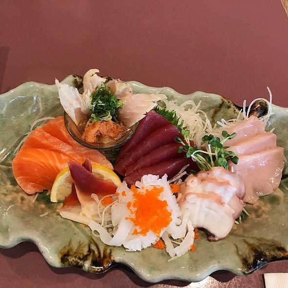assorted sashimi @ Tokkuri Tei