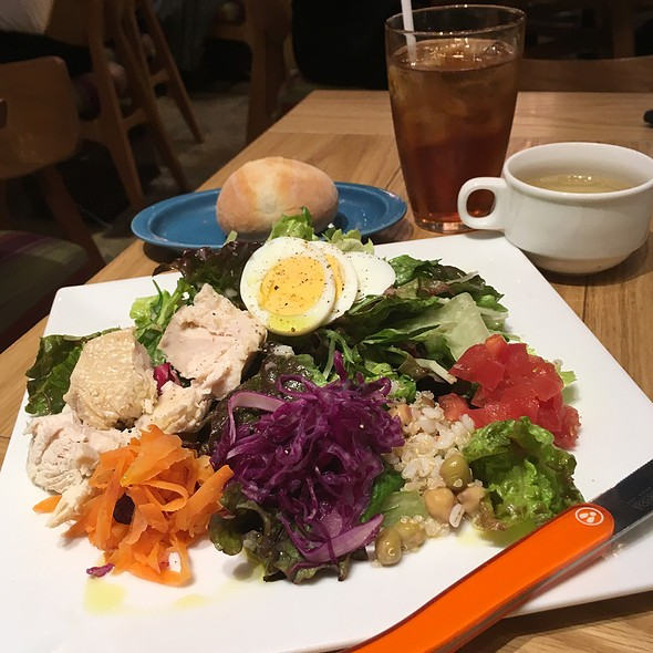 Tuna Salad Lunch Set @ La Pesquera -MARISQUERIA-