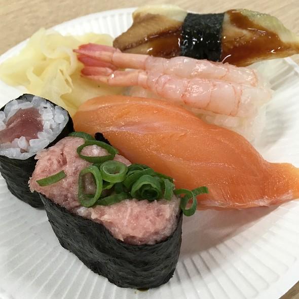 Sushi @ 大手町ビル