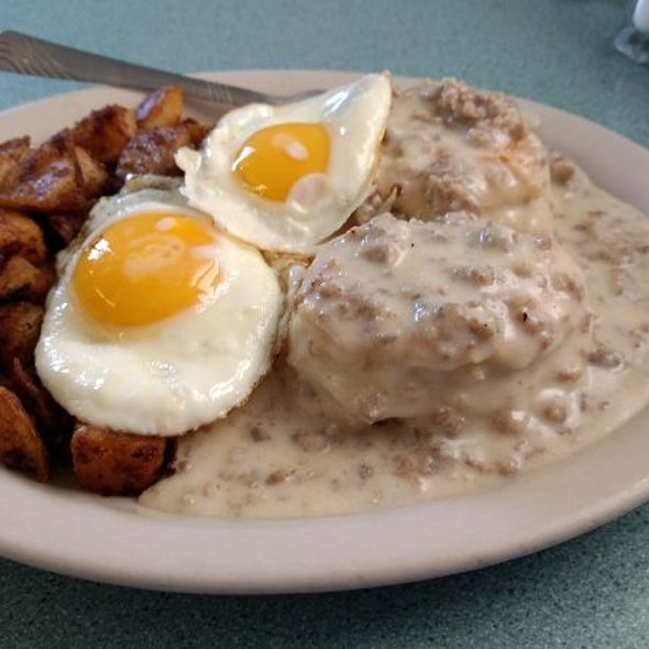 Biscuits And Gravy With Eggs @ Chef Jeff's