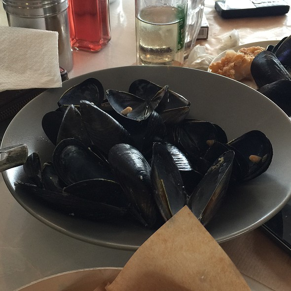 Mussels @ Sardelaki Me Thea