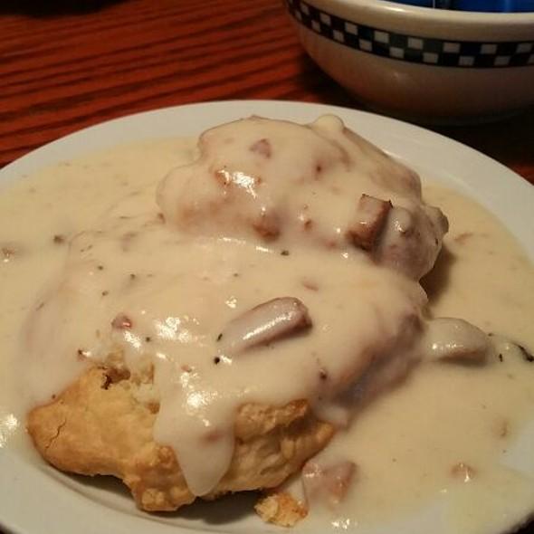 Biscuit & Gravy @ Petes Breakfast House