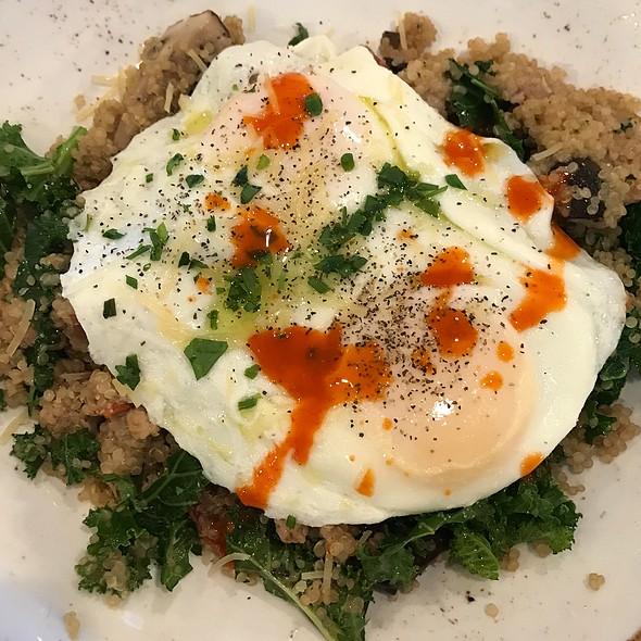 Qinoua Breakfast Power Bowl