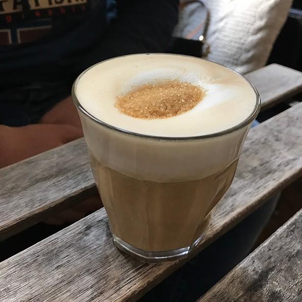 Cappuccino @ Quartier Putain