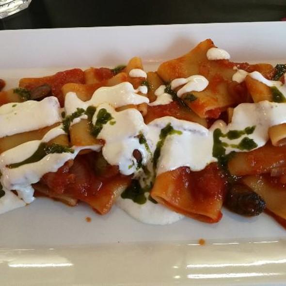 Paccheri Alla Puttanesca Con Crema Di Burrata @ Caffetteria Piansa