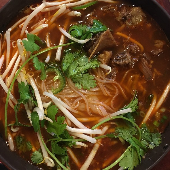 spicy beef noodle soup with phò noodles