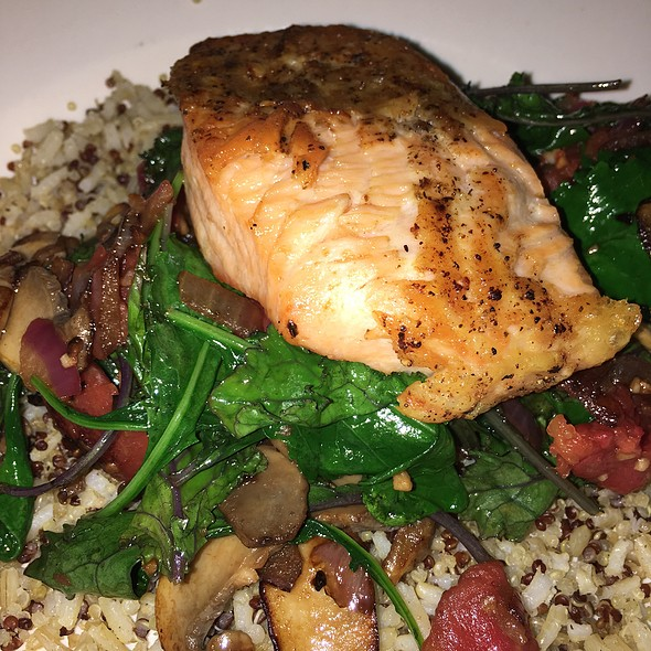 Roasted Salmon Quinoa Salad
