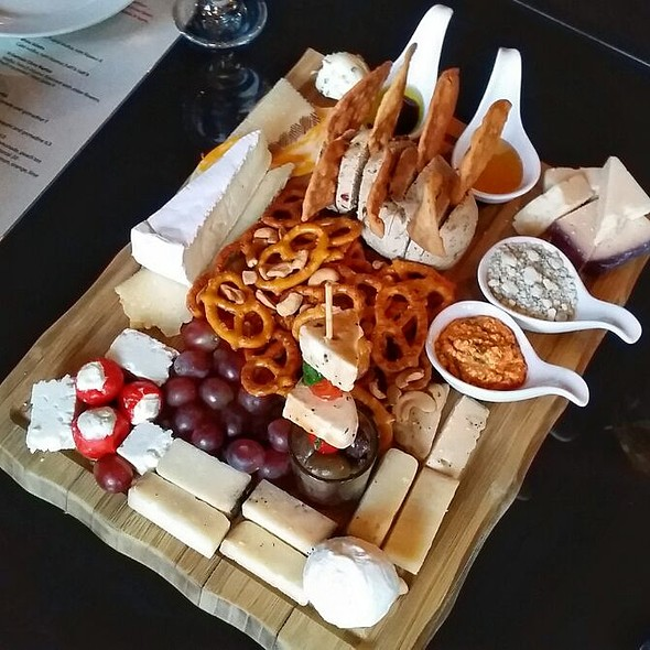 Cheese Journey @ 4 Sisters Wine Bar & Tapas