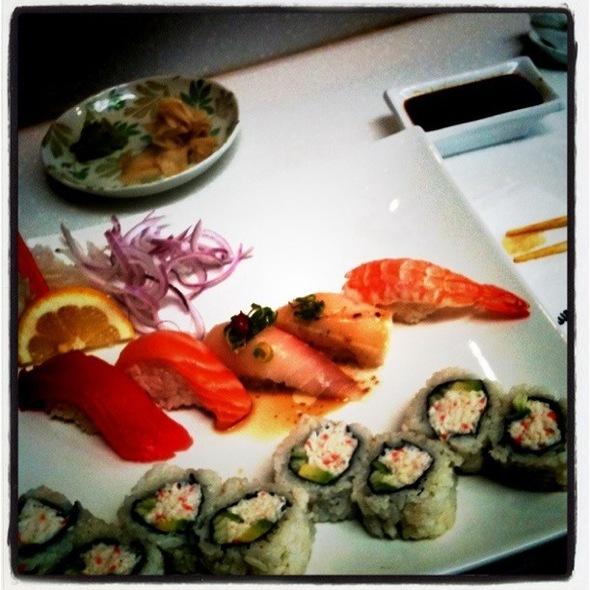 Sushi Lunch Special @ Waki Maki
