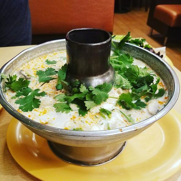 Tom Kah Kai @ Mix Bowl Cafe
