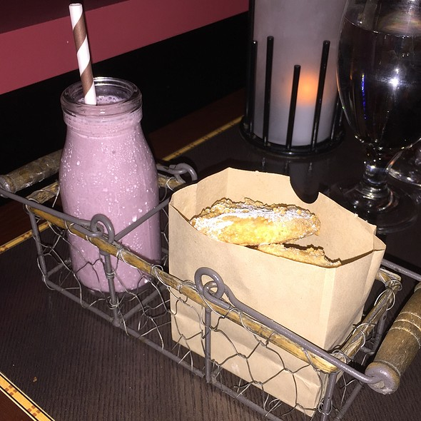 Almond Butter Cookies With Florida Blueberry Milk Shake