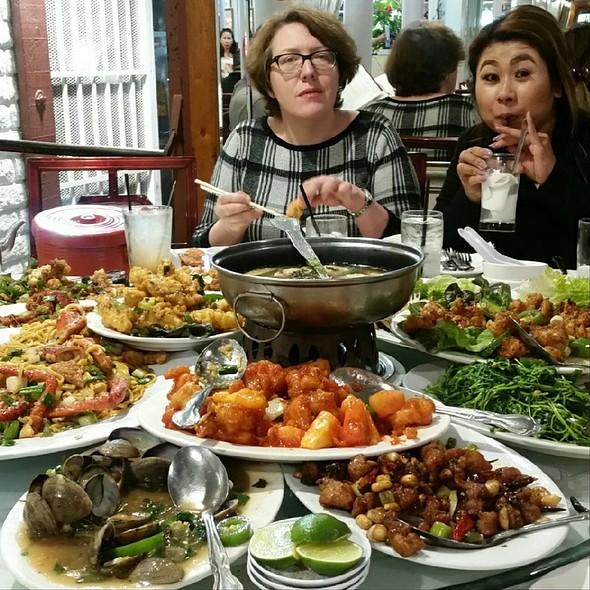 Banquet Special @ Royal Capital Seafood Restaurant