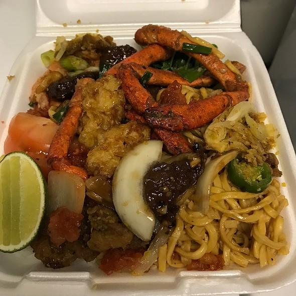 To Go Box @ Royal Capital Seafood Restaurant