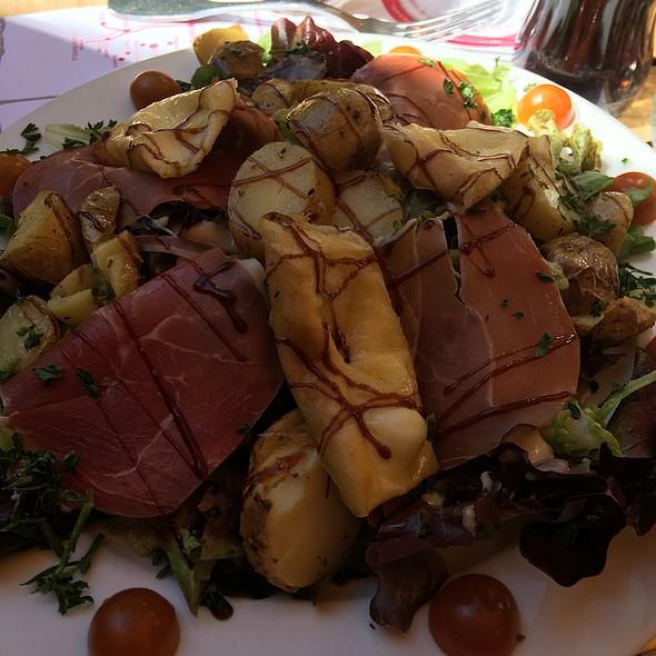 Salade Savoyarde @ L'Annexe Cafe