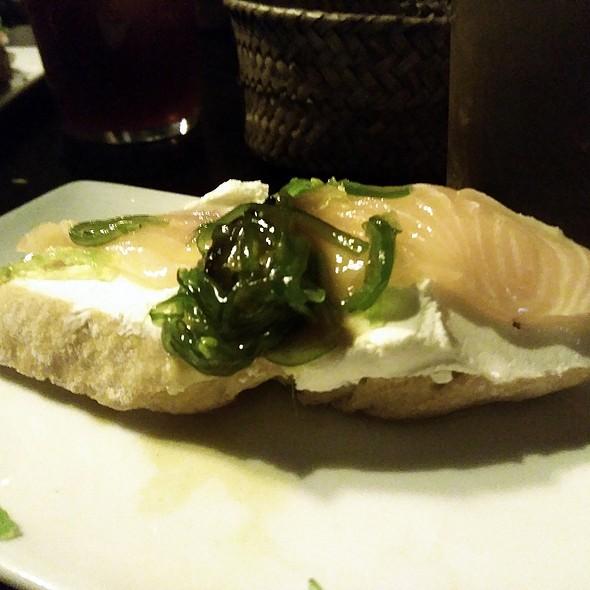 Salmon sashimi pintxo