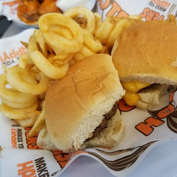 Sliders With Fries