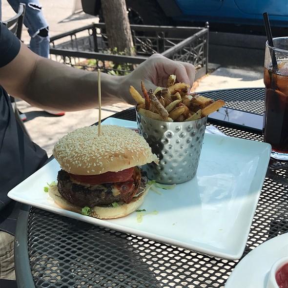 Burger @ City Cafe Inc