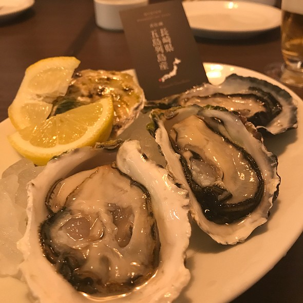 Oysters @ Shrimp & Oyster Bar