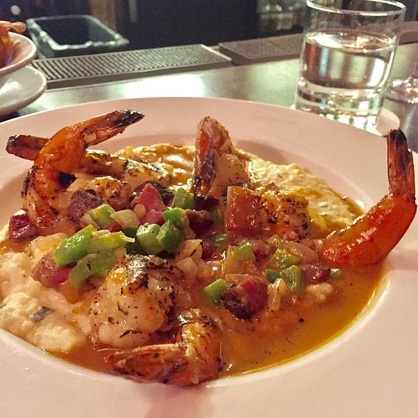 Shrimp and Grits @ Chicago q