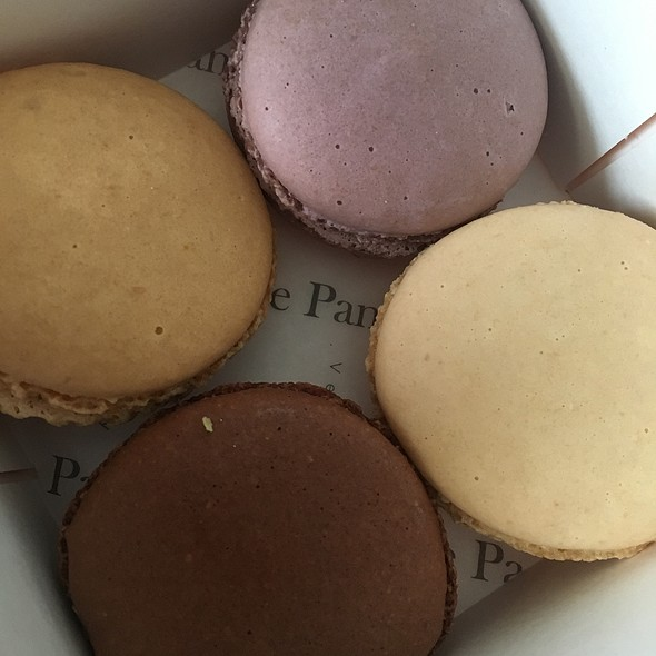 Assorted French Macaroons @ Le Panier Very French Bakery