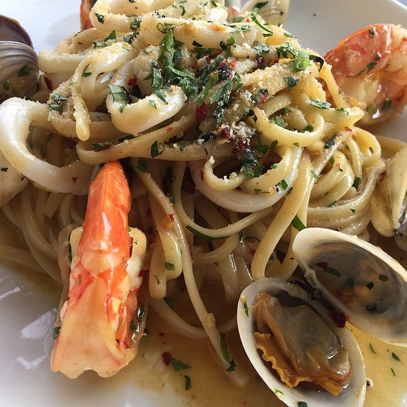 Clam And Prawn Pasta