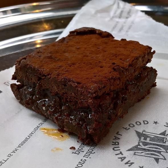 Vegan Chocolate Brownie @ Veggie Pret