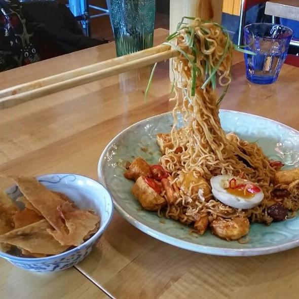 Secret Menu Ramen @ Jackpot Chicken Rice
