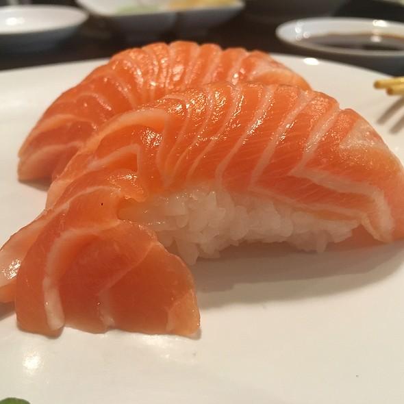 Sake Nigiri @ Aniki's Sushi