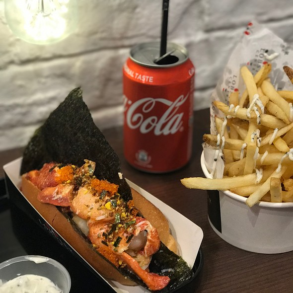 Emperor Lobster Roll With Truffle Fries
