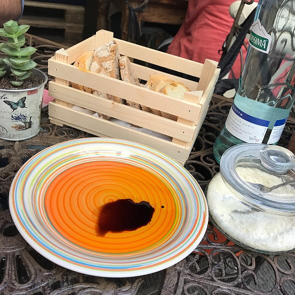 Tuscan Bread Basket