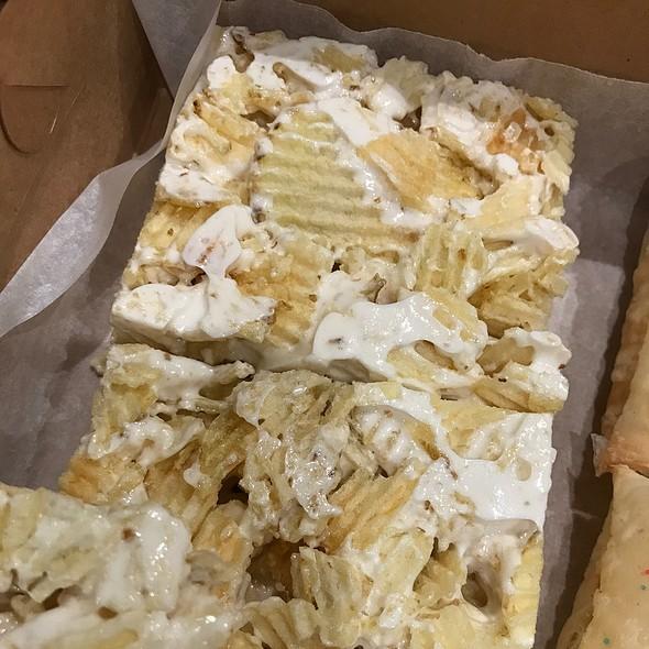 Ruffle Potato Chip Marshmallow Treats