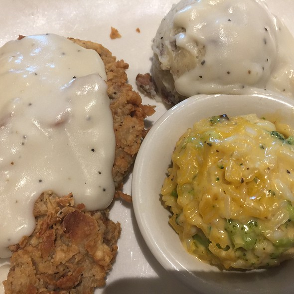 Chicken Fried Steak with Garlic Mashed Potatoes
