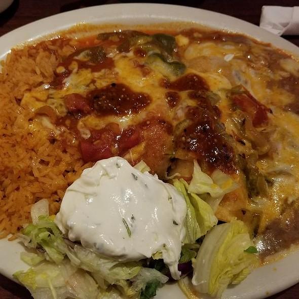 Chile Relleno Y Enchilada Ranchera @ Max's Mexican Cuisine