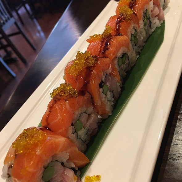 Chef Special Roll @ Mikado Sushi