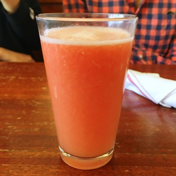 Fresh Squeezed Grapefruit Juice @ Willow Wood Market Cafe