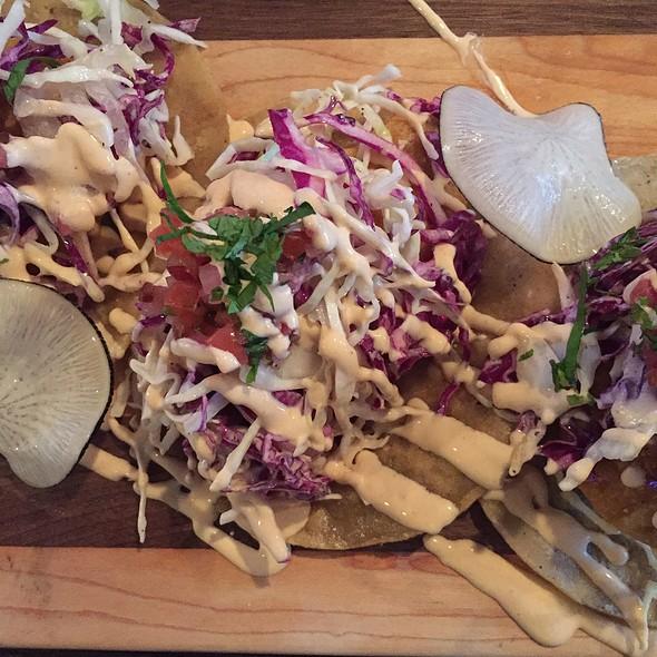 fish tacos @ Maribelle's Tavern