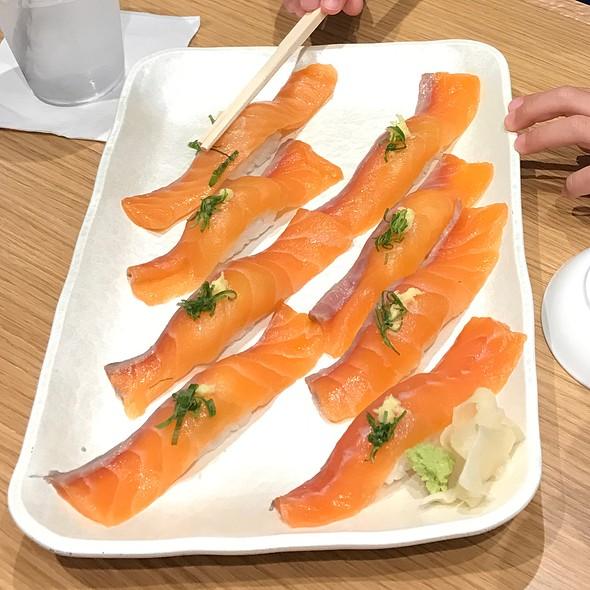 Salmon Nigiri @ Katsumidori Sushi