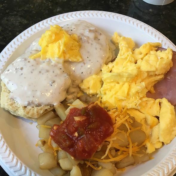 Breakfast Buffet @ Best Western Plus Anderson