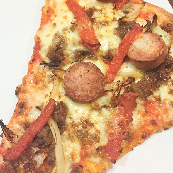 Bratwurst Pizza