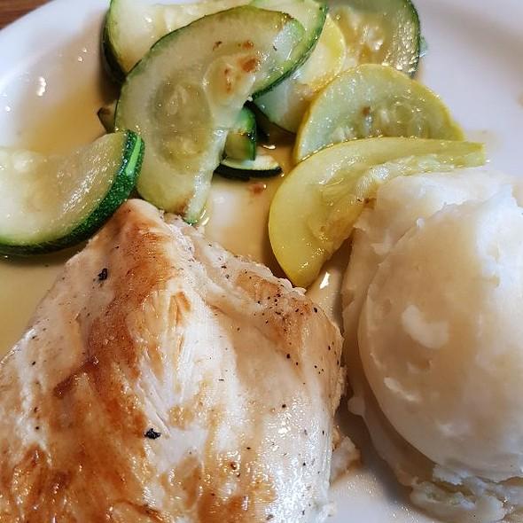 Chicken With Zuchinni