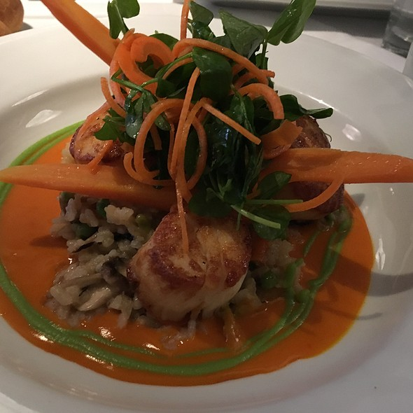 Scallops ''Peas And Carrots'' @ A.lure Low Country Cuisine