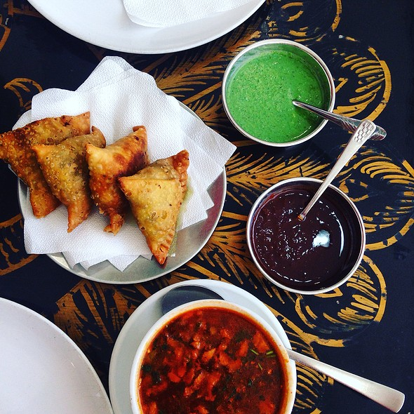 Samosas With Mutton Soup @ New Bombay