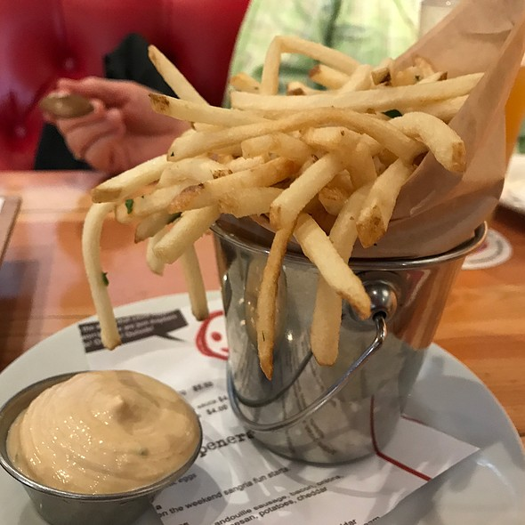 Fries @ Simmzy's