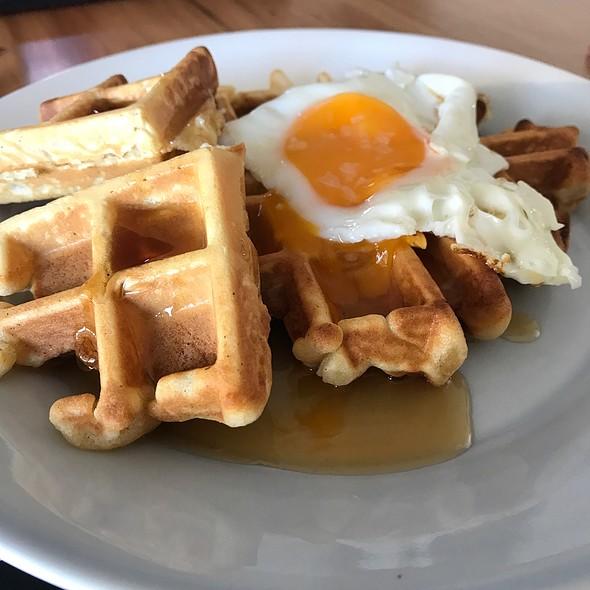Fried Egg On Waffle @ Chookys