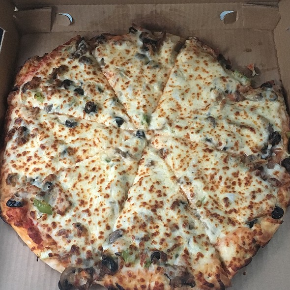 Veggie Pizza @ Casey's General Store