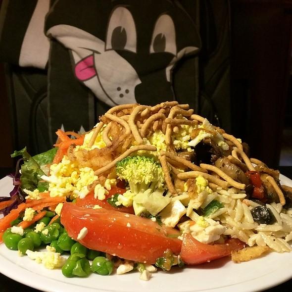 Salad @ Charlie Brown's