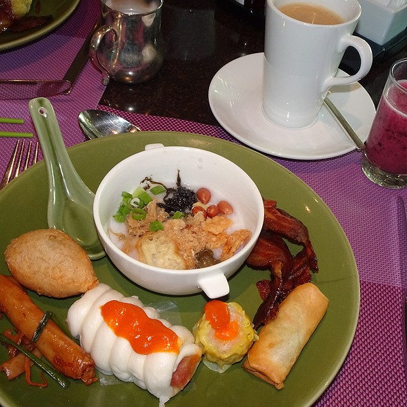 Brunch @ Cafe On M @ Intercontinental Grand Stanford