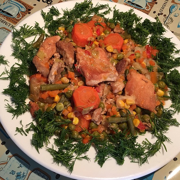 Pork with Corn, Green Peas and Carrots